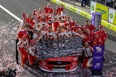 Scott McLaughlin and the No. 17 team celebrate the 2020 Supercars championship