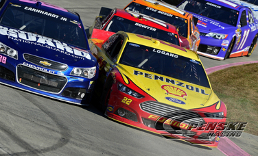 Logano Races to a Top-15 Result at Martinsville