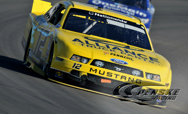 Sam Hornish Jr. Battles to a Top-5 Finish at Phoenix
