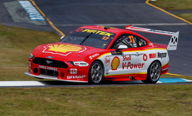 Shell Mustangs in Top 10 on a Wet and Wild Day at Sandown