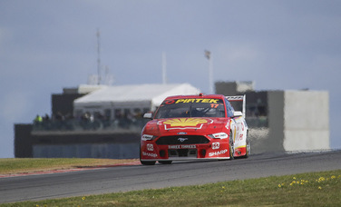 McLaughlin Equals Lowndes' Supercars Win Record